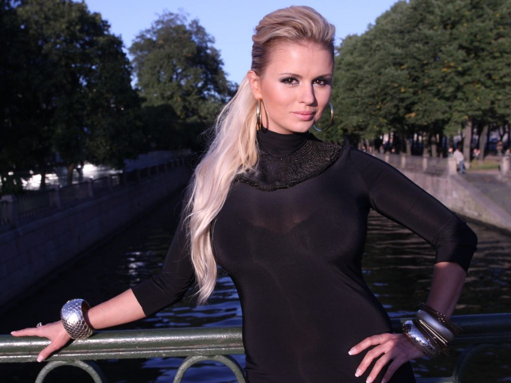 Смотреть новые фото Анна Семенович, скачать лучшие фотографии Анна