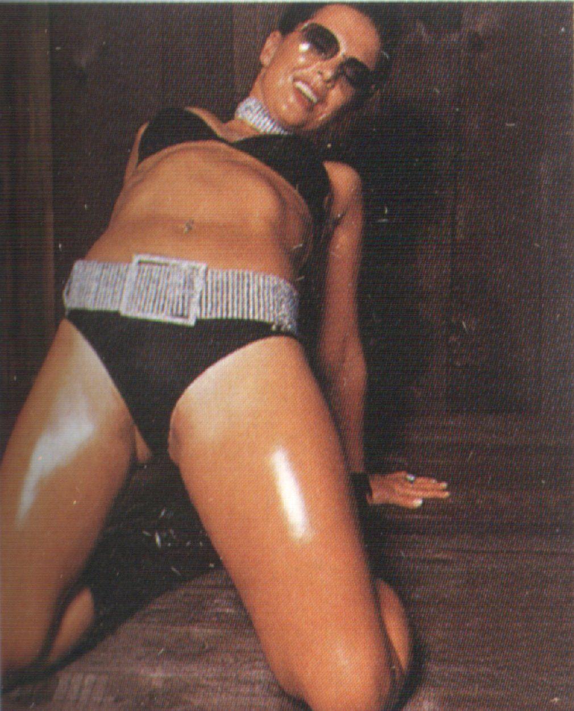Фото женской пизды жанны фриске, целлюлит эро фото