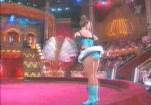 """Видео равно фото плакальщица Жанка Фриске показывает плавки во передаче """"Цирк со звездами"""""""
