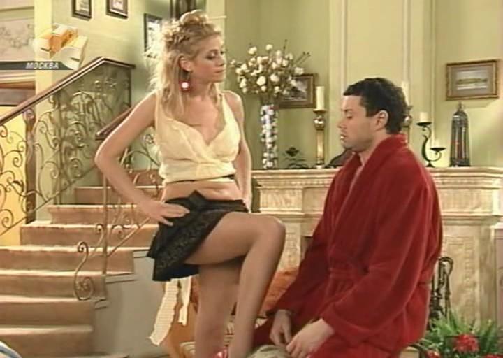 Наказывает большим членом леди скромницу с красивой грудью