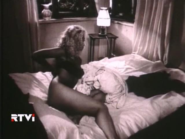 golie-molodie-sekretarshi-video