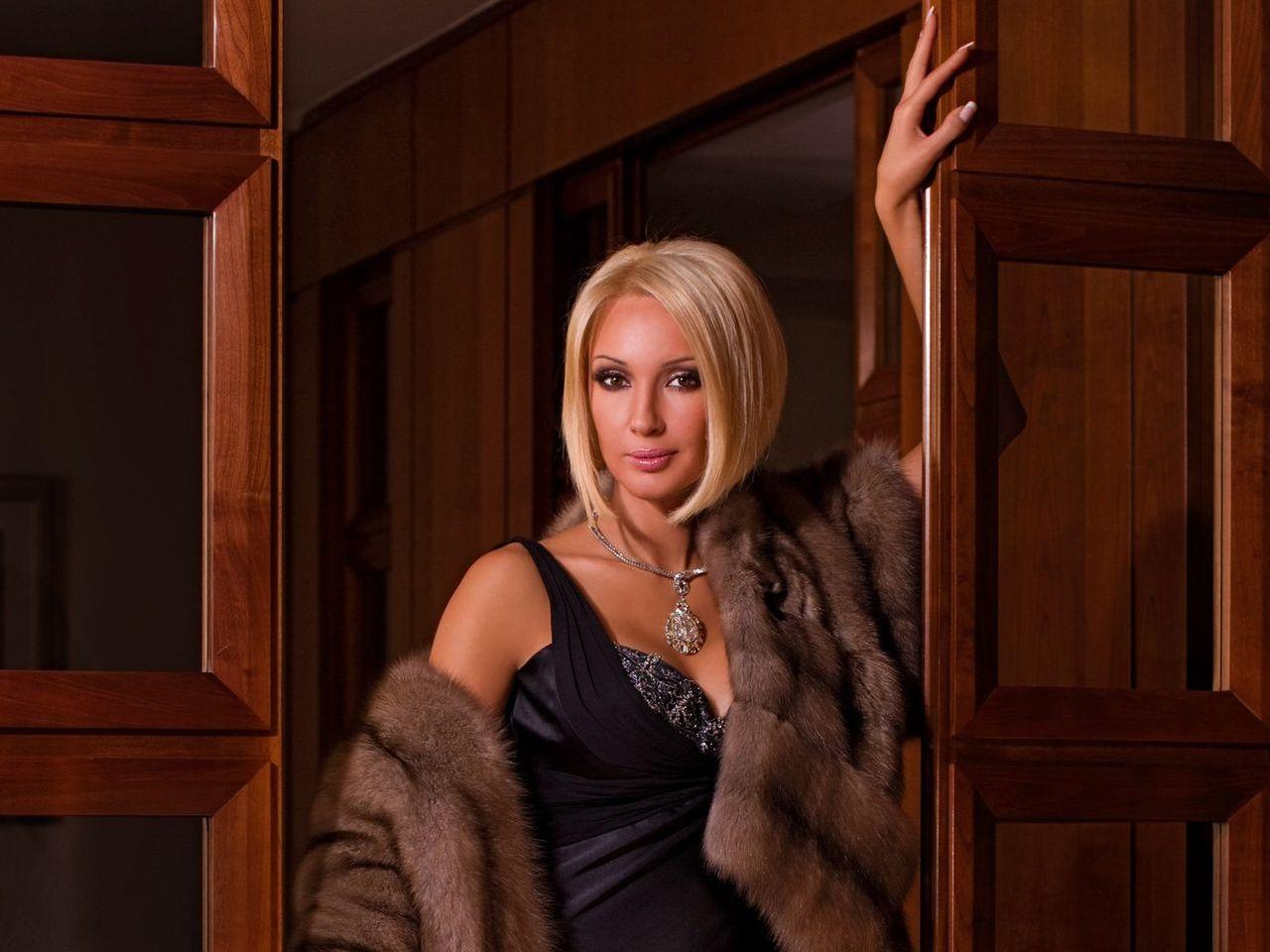Роковые блондинки смотреть онлайн 3 фотография