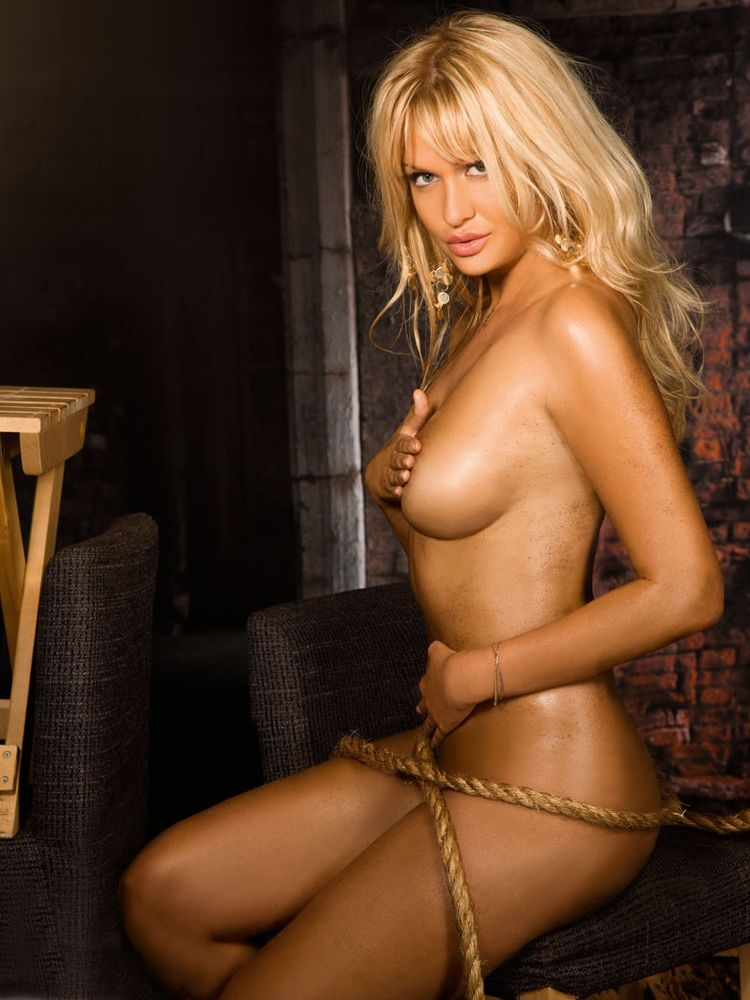 Виктория фото голая