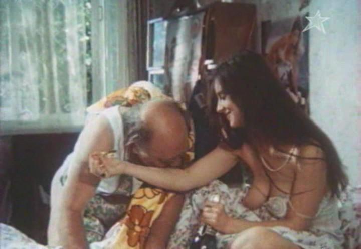 Секс порно фильм с сюжетом Эммануэль в космосе.