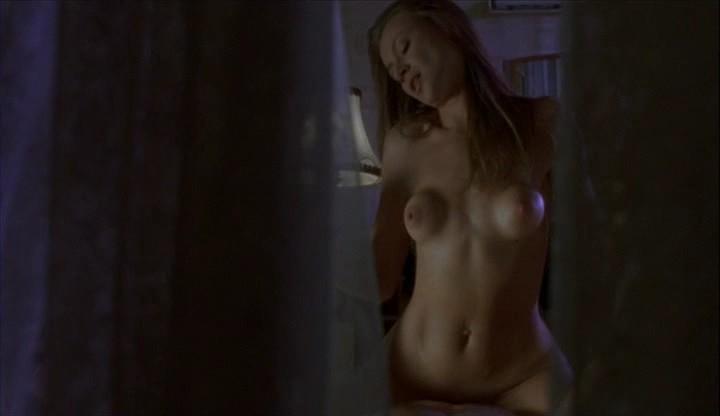 smotret-video-golie-znamenitosti-v-filmah