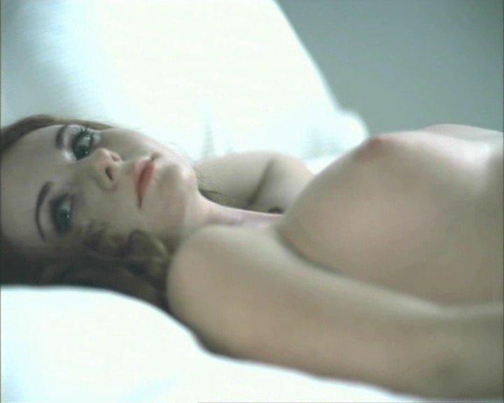 Видео и фото Лена Катина голая в клипе Белый плащик (без цензур.