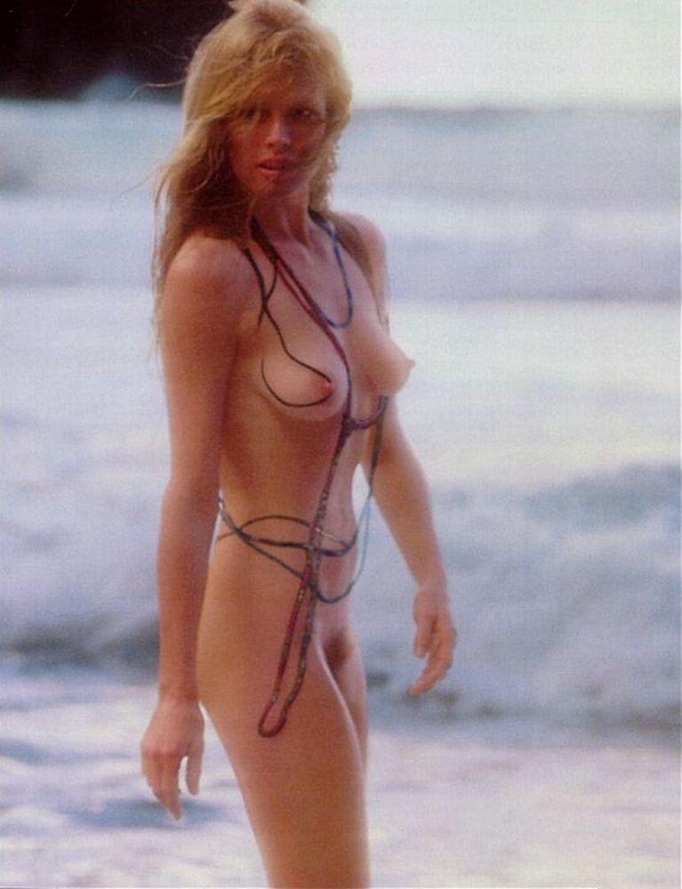 Фотосессии Ким Бейсингер фотосессии в журналах Playboy...: http://all-stars.su/1893-kim-beysinger-kim-basinger-fotosessii.html