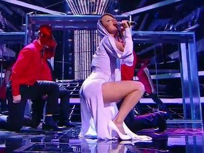 Юлия Савичева голая - видео равно фото