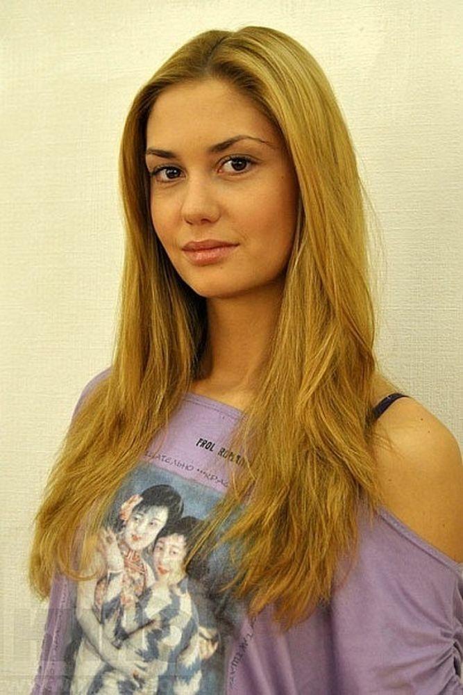 Фото актрис Агата Муцениеце - Фото линдси лохан