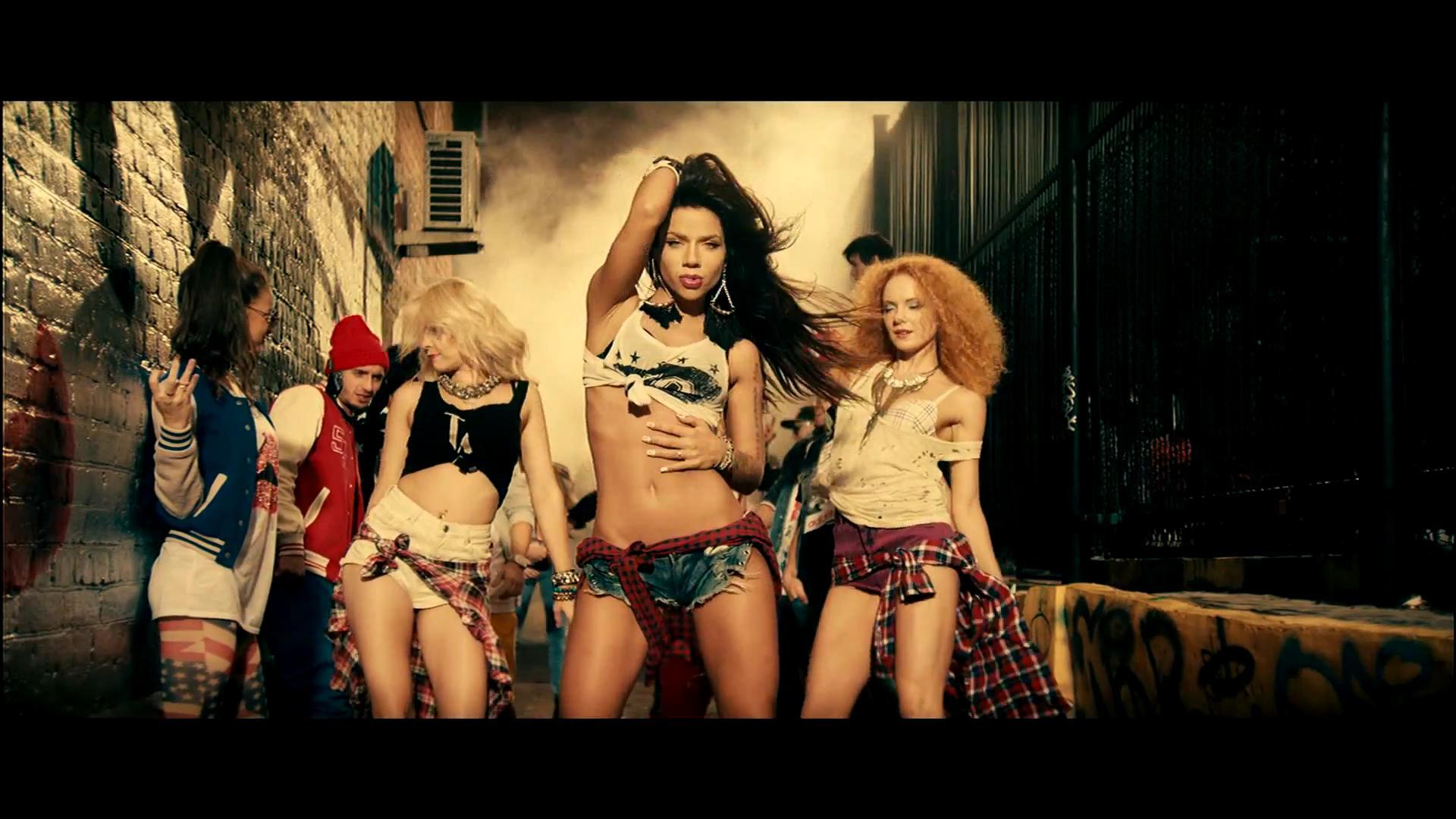 Танец девушки без одежды 22 фотография