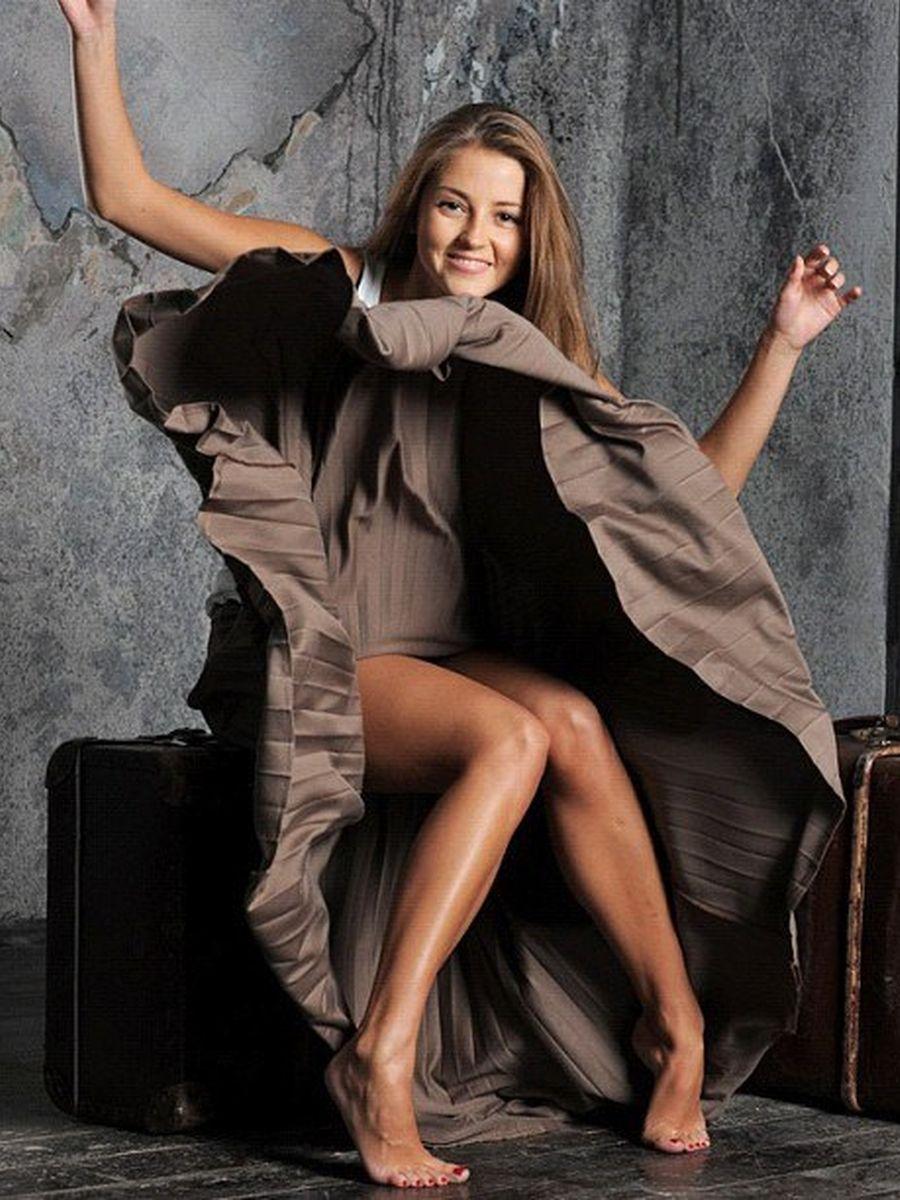 Такая милая и совсем голая Анна Михайловская