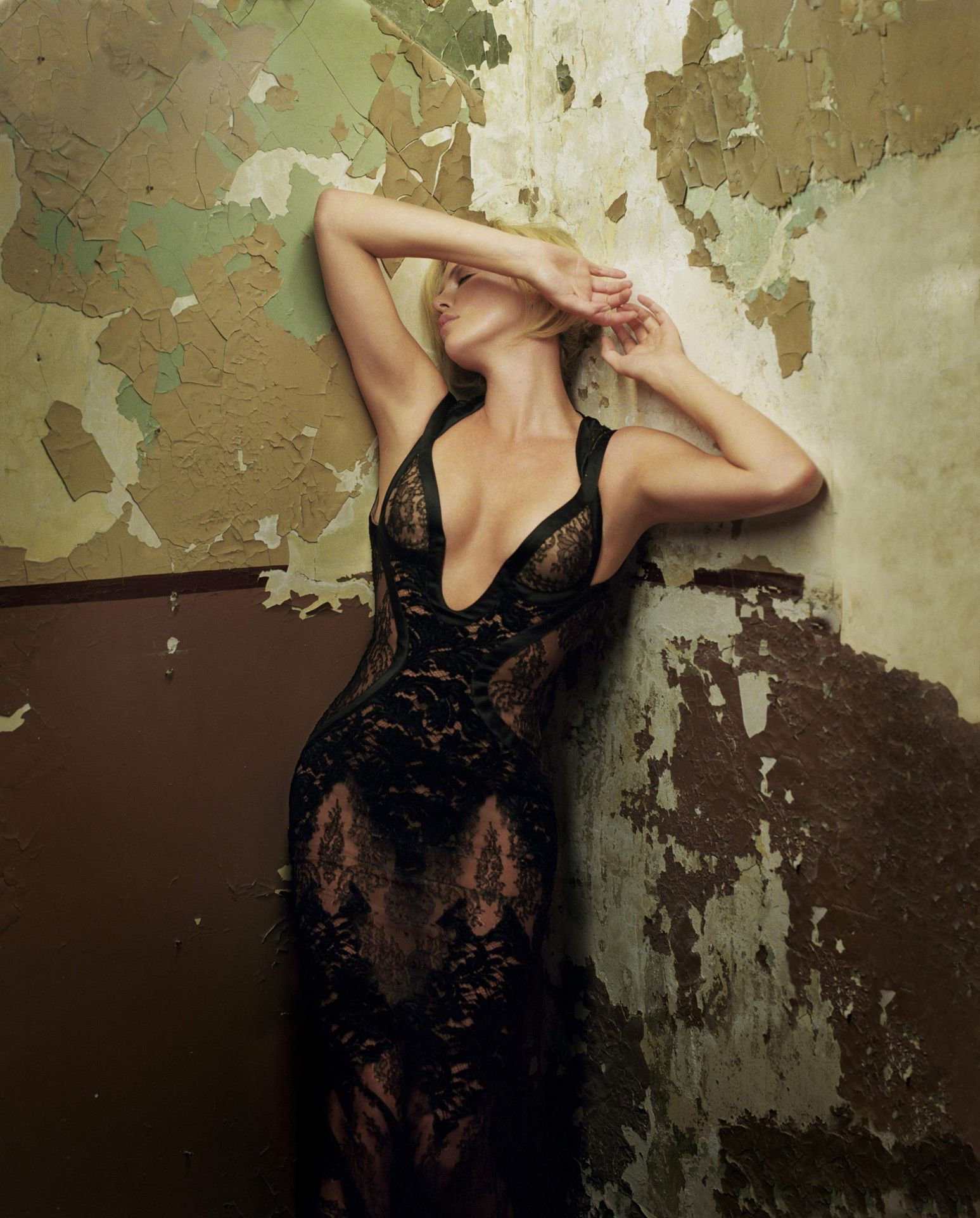 Фото голылых женщин полностью певиц эстрады 13 фотография