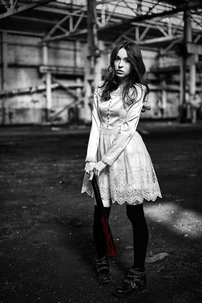 Мерьем Узерли опубликовала свои фото в юности Поклонники