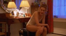 """Видео да позитив Nicole Kidman во откровенном дессу во фильме """"С повсюду закрытыми глазами"""""""
