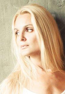 Интим фото раздетой Екатерина Мельник. Голая Екатерина Мельник показывает свои прелести