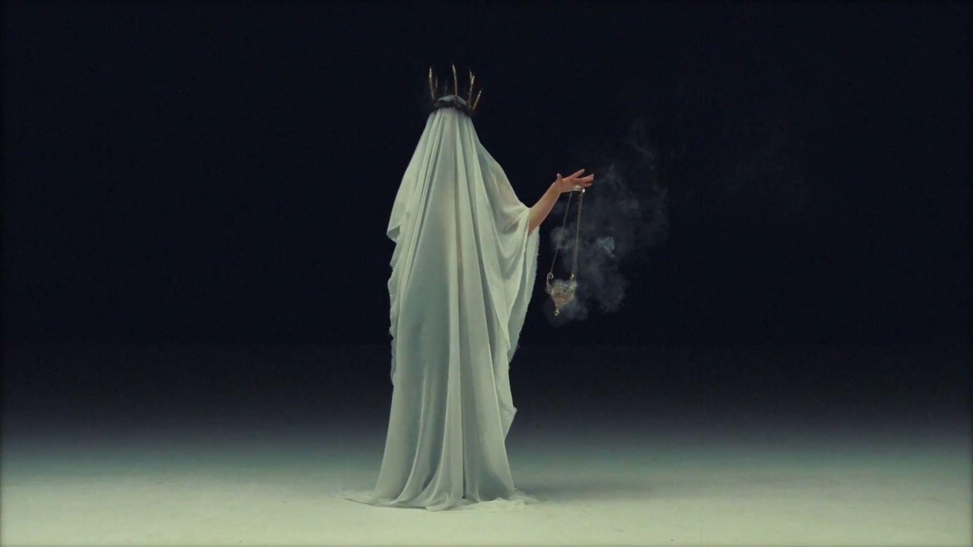 Клип Bring Me The Horizon - Throne смотреть онлайн: all-stars.su/5742-bring-me-the-horizon-throne.html