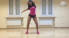 Видео равно карточка сексуальная Настя Каменских танцует тверк