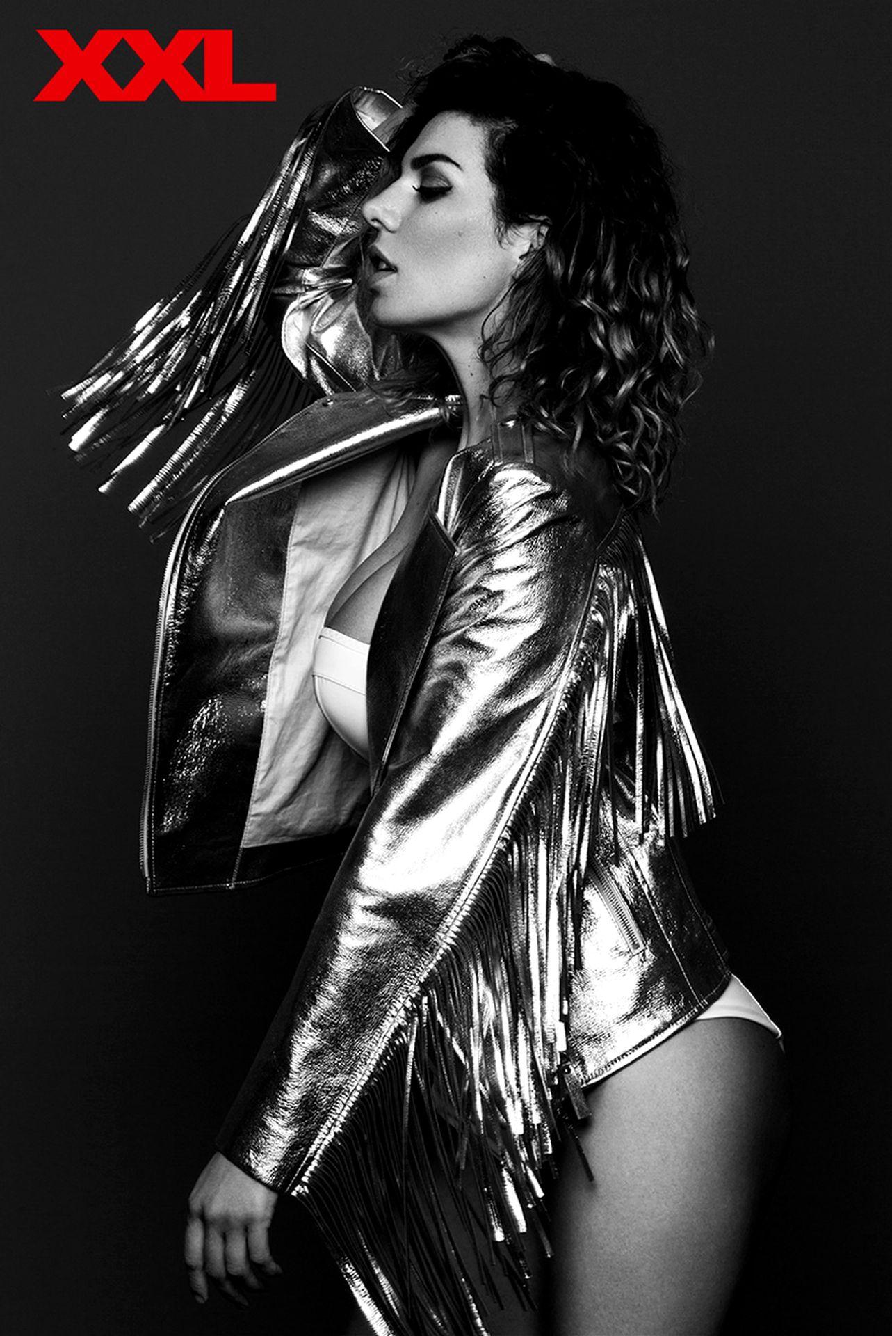Голая Анна Седокова в максим фото Maxim май 2010
