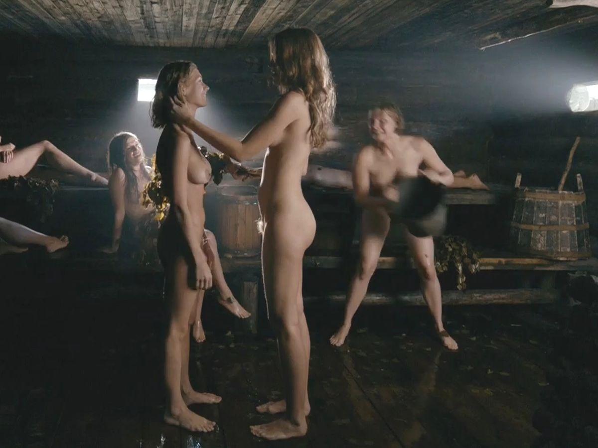 kristina-asmus-golaya-v-filme