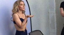 Видео и фото Юлия Ковальчук в купальнике на фотосессии