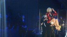 Видео равно фотоотпечаток Поляша Гагарина засветила плавки держи выступлении