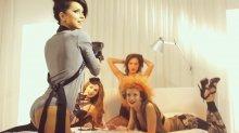 """Видео равно фотоснимок сказительница Инесса на сексуальном исподнее в съемках клипа """"Club Rocker"""""""