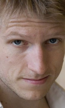 Казимир Лиске из «Интернов» погиб после падения из окна