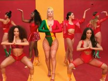 Iggy Azalea ft. Anitta - Switch